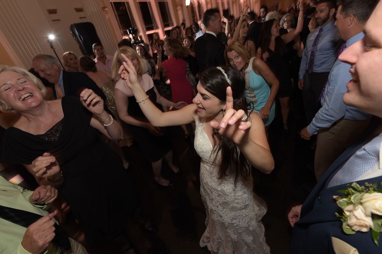 selig dance 3